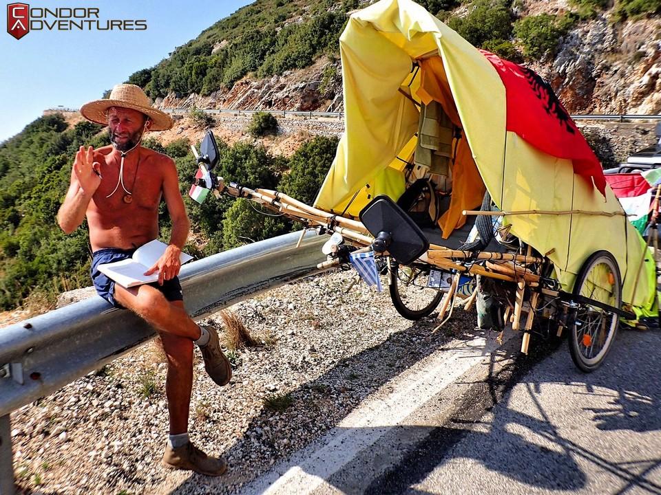 biker dog-brigi-explorealbania-motoros túra-condorriders-sasok földje-albánia-albán riviéra-albanian riviera