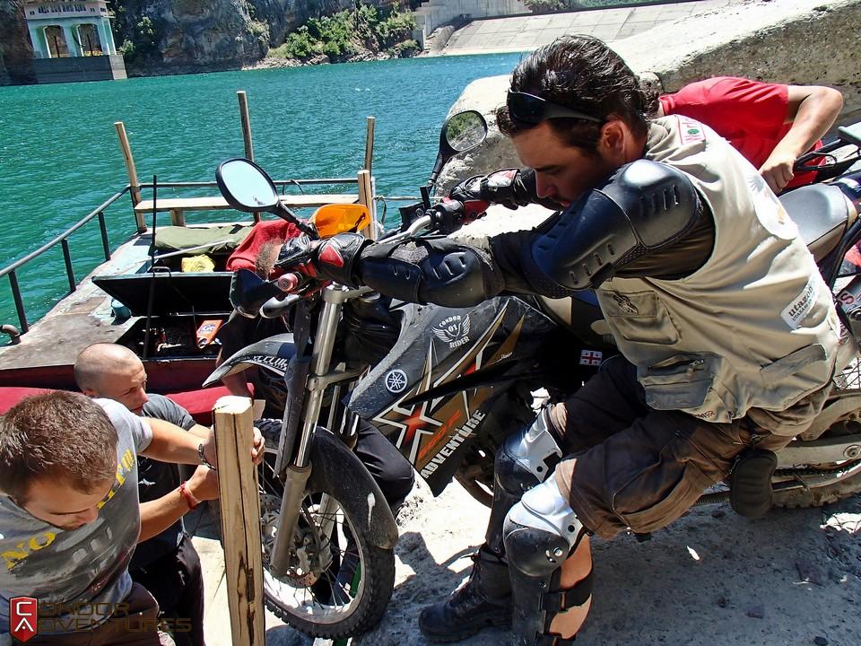 bike-shipping-koman-explorealbania-condorriders